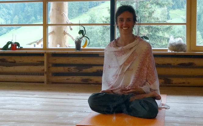 Yoga, Wandern, Yogaraum, Sabine Vieider, Almis Berghotel, Retreat, Tirol