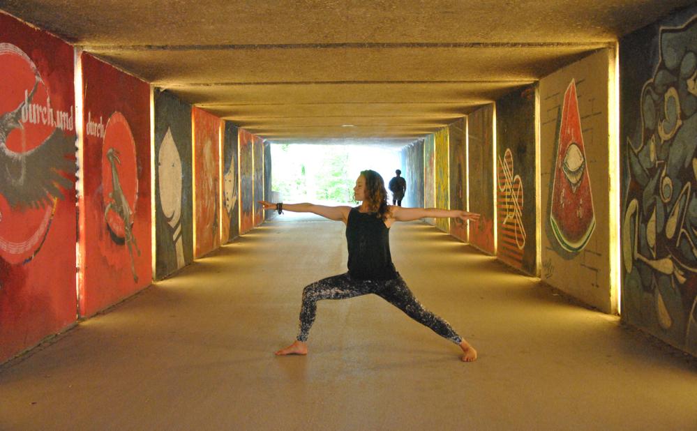 Yoga, Pose, Übung, Vrksasana, der Baum, Samira, München