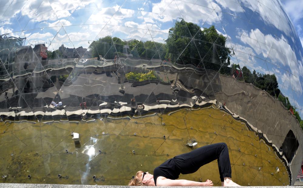 Yoga Übung, Setu Bandha, Schulterbrücke, Dehnung Brustkorb